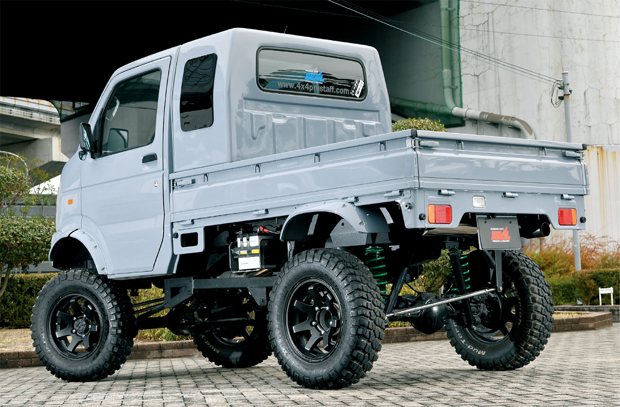 suzuki carry with transplanted lifted jimny suspension 4x4. Black Bedroom Furniture Sets. Home Design Ideas